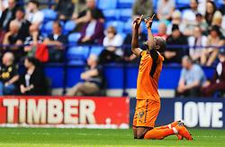 Benik Afobe of Wolverhampton Wanderers scores his sides second goal - Mandatory by-line: Matt McNulty/JMP - 21/04/2018 - FOOTBALL - Macron Stadium - Bolton, England - Bolton Wanderers v Wolverhampton Wanderers - Sky Bet Championship