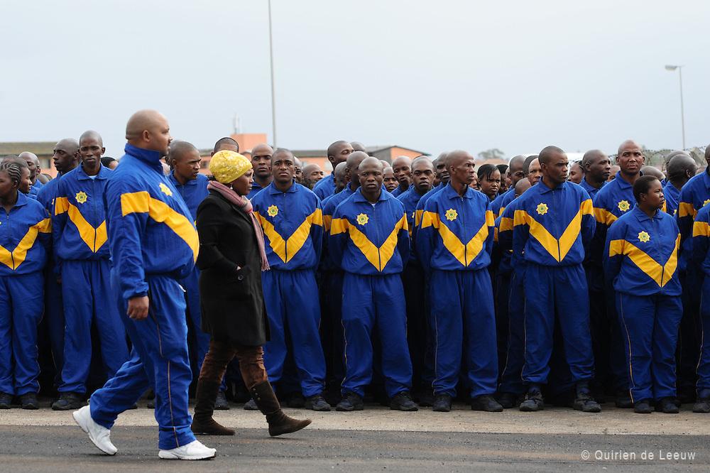Junior politieagenten worden gebriefd voor het WK 2010 in Zuid Afrika