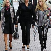 NLD/Amstelveen/20120917 - Uitvaart Rosemarie Smid - Giesen van der Sluis, Mariska van Kolck, Betty Groot en Antje Monteiro