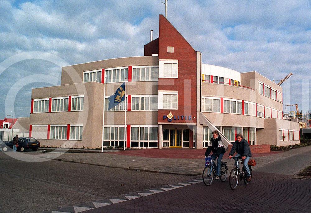 hardenberg : politiebureau..foto frank uijlenbroek¨1995