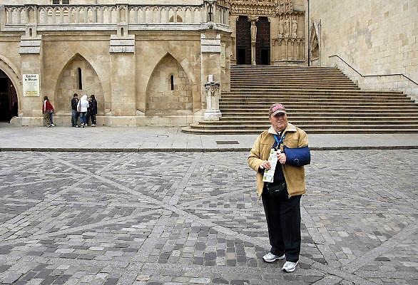 Spanje, Burgos, 5-5-2010Een lotenverkoper en zijn loten bij de kathedraal.De verkoop van Spaanse staatsloten wordt gedaan door mensen met een beperking, handicap,gehandicapten.Foto: Flip Franssen/Hollandse Hoogte
