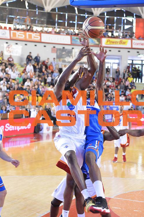 DESCRIZIONE : Roma Lega A 2012-2013 Acea Roma Enel Brindisi<br /> GIOCATORE : Gani Lawal<br /> CATEGORIA : rimbalzo mani curiosita<br /> SQUADRA : Acea Virtus Roma<br /> EVENTO : Campionato Lega A 2012-2013 <br /> GARA : Acea Roma Enel Brindisi<br /> DATA : 21/04/2013<br /> SPORT : Pallacanestro <br /> AUTORE : Agenzia Ciamillo-Castoria/GiulioCiamillo<br /> Galleria : Lega Basket A 2012-2013  <br /> Fotonotizia : Roma Lega A 2012-2013 Acea Roma Enel Brindisi<br /> Predefinita :