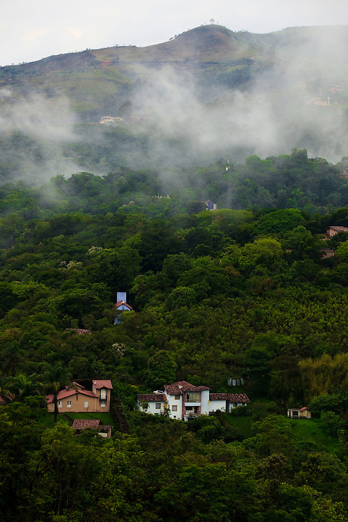 Nova Lima_MG, Brasil...Municipio de Macacos, na regiao de Nova Lima, Minas Gerais...Macacos district in Nova Lima, Minas Gerais. ..Foto: BRUNO MAGALHAES / NITRO