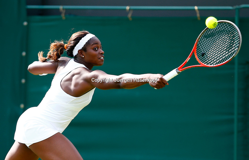 Wimbledon Championships 2013, AELTC,London,<br /> ITF Grand Slam Tennis Tournament,<br /> Sloane Stephens (USA),Aktion,Einzelbild,Halbkoerper,Querformat,