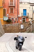 Foto di Donato Fasano Photoagency, nella foto :  Molise in moto , la moto usataè una triunph sprint s 1050