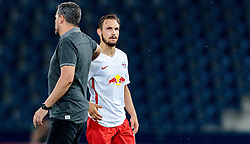 15.09.2016, Red Bull Arena, Salzburg, AUT, UEFA EL, FC Red Bull Salzburg vs FC Krasnodar, Gruppe I, 1. Runde, im Bild Trainer Oscar Garcia (FC Red Bull Salzburg), Andreas Ulmer (FC Red Bull Salzburg) // during the UEFA Europa League, group I, 1st round match betweenFC Red Bull Salzburg and FC Krasnodar at the Red Bull Arena in Salzburg, Austria on 2016/09/15. EXPA Pictures © 2016, PhotoCredit: EXPA/ JFK