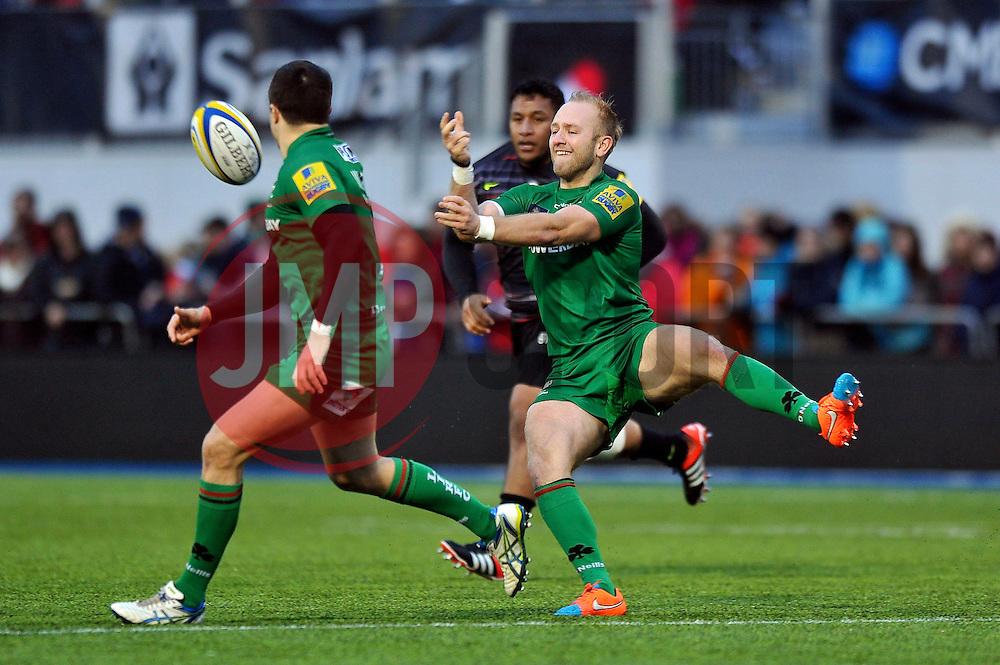 Shane Geraghty of London Irish passes the ball - Photo mandatory by-line: Patrick Khachfe/JMP - Mobile: 07966 386802 03/01/2015 - SPORT - RUGBY UNION - London - Allianz Park - Saracens v London Irish - Aviva Premiership