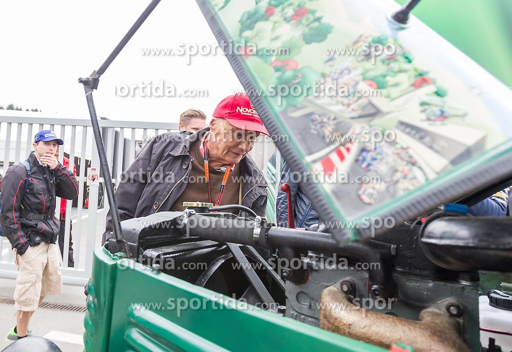 20.06.2015, Red Bull Ring, Spielberg, AUT, FIA, Formel 1, Grosser Preis von Österreich, Qualifying, im Bild Niki Lauda, (AUT, Mercedes AMG Petronas F1 Team) fährt mit einem Traktor // during the Qualifying of the Austrian Formula One Grand Prix at the Red Bull Ring in Spielberg, Austria, 2015/06/20, EXPA Pictures © 2015, PhotoCredit: EXPA/ JFK