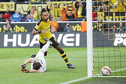 27.09.2015, Signal Iduna Park, Dortmund, GER, 1. FBL, Borussia Dortmund vs SV Darmstadt 98, 7. Runde, im Bild Pierre-Emerick Aubameyang (Borussia Dortmund #17) mit dem Tor zum Ausgleich, 1:1 gegen Torwart Christian Mathenia (SV Darmstadt 98 #31) // during the German Bundesliga 7th round match between Borussia Dortmund and SV Darmstadt 98 at the Signal Iduna Park in Dortmund, Germany on 2015/09/27. EXPA Pictures © 2015, PhotoCredit: EXPA/ Eibner-Pressefoto/ Schueler<br /> <br /> *****ATTENTION - OUT of GER*****