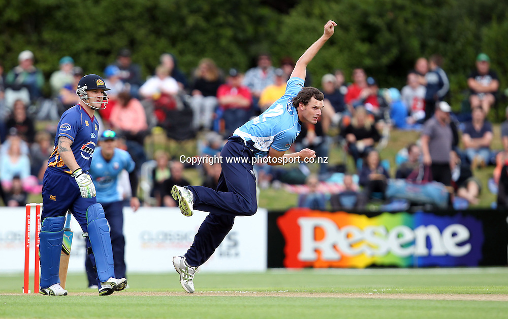 Kyle Mills in action for the Aces.<br /> Twenty20 Cricket - HRV Cup, Otago Volts v Auckland Aces, 15 January 2012, University Oval, Dunedin, New Zealand.<br /> Photo: Rob Jefferies / photosport.co.nz