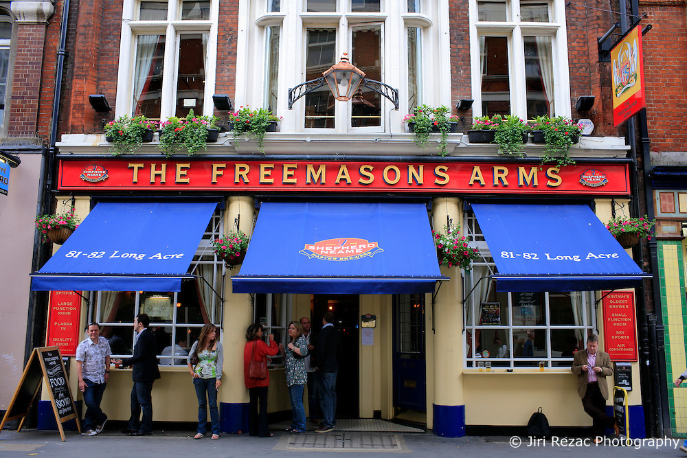 UK ENGLAND LONDON 7JUN08 - Calm and subdued atmosphere outside the Freemasons Arms pub during the opening match of the UEFA European football championship between Czech Republic and Switzerland. Czech Republic won the match with a 1-0 lead...jre/Photo by Jiri Rezac..© Jiri Rezac 2008..Contact: +44 (0) 7050 110 417.Mobile:  +44 (0) 7801 337 683.Office:  +44 (0) 20 8968 9635..Email:   jiri@jirirezac.com.Web:    www.jirirezac.com..© All images Jiri Rezac 2008 - All rights reserved.