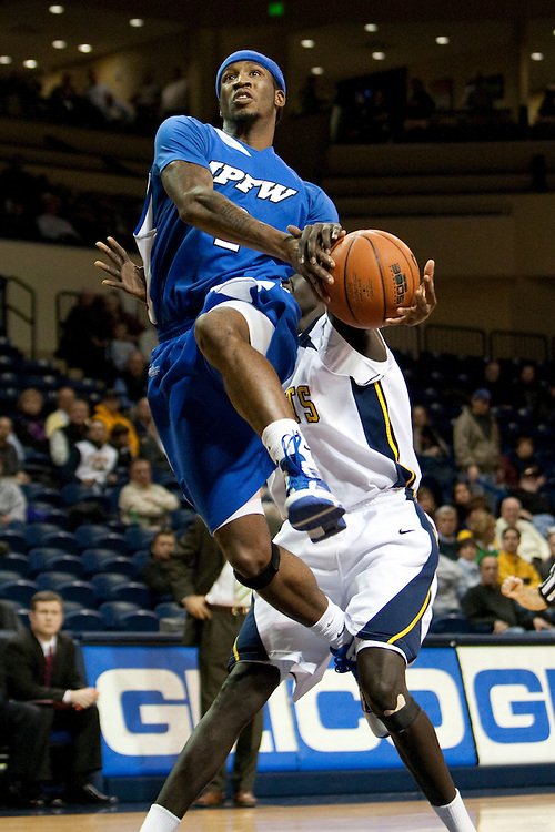 10 December 2009:  IPFW's Antwone Snead (2) during the NCAA basketball game between IPFW and the Toledo Rockets at Savage Arena in Toledo, OH.