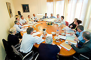 Nederland, Utrecht, 20040401..Orde van Medisch Specialisten..Bestuursvergadering met medewerkers...Netherlands, Utrecht, 20040401..Order of Medical Specialists..Board meeting with employees.    .