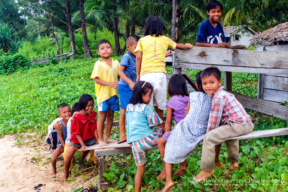 Kalimantan, Tanjung Datu. Small village close to the Malaysian border. As usual in Indonesia there are happy, playfull children everywhere.