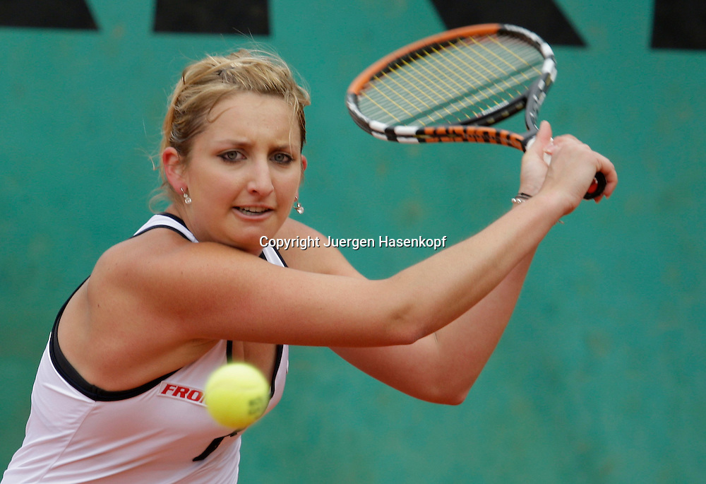 French Open 2009, Roland Garros, Paris, Frankreich,Sport, Tennis, ITF Grand Slam Tournament, <br /> <br /> Timea Bacszinsky (SUI).<br /> <br /> Foto: Juergen Hasenkopf