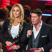 NLD/Hilversum/20170120 - 2de liveshow The Voice of Holland 2017, Wendy van Dijk en Martijn Krabbe