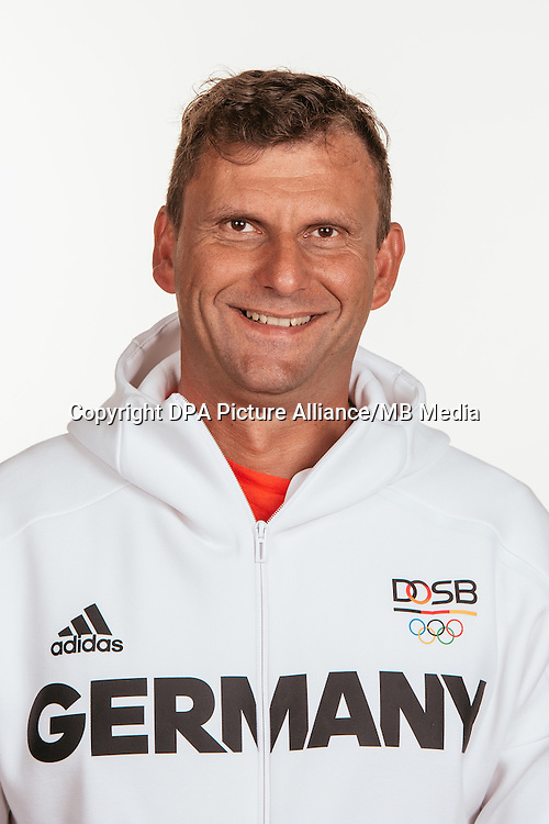 Thomas Apel poses at a photocall during the preparations for the Olympic Games in Rio at the Emmich Cambrai Barracks in Hanover, Germany, taken on 19/07/16 | usage worldwide