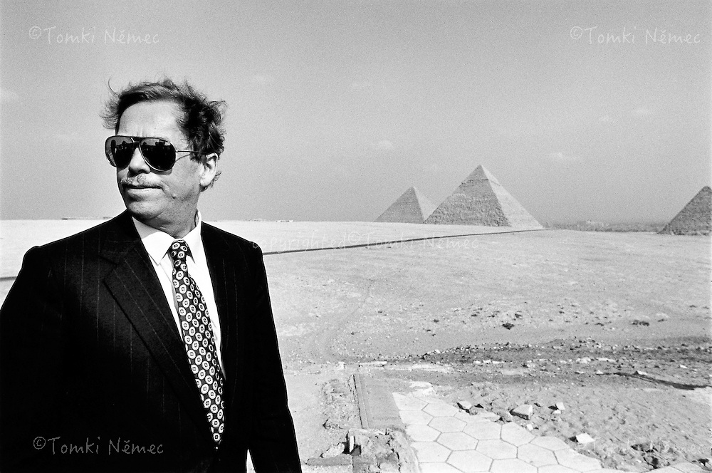 Egypt, 16 December 1991 - Giza.On a state visit to Egypt the President visited one of the Seven Wonders of the World; he said he sensed the transient nature of everyday worries compared to the many thousands of years of history of the pyramids.