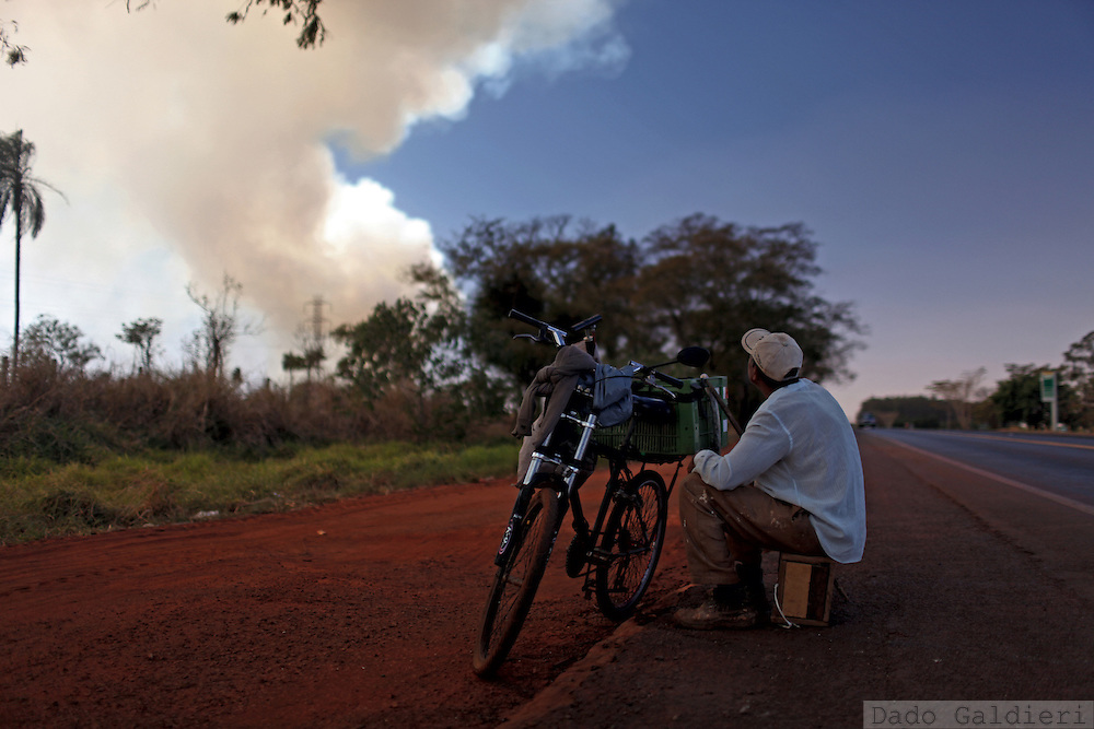 A farmworker looks on as a severe fire on a sugarcane crop field burns in Barretos, Brazil, Wednesday, Aug. 22, 2012. (Bloomberg Photo/ Dado Galdieri) Brazil is on a quick path to become a global power. Rising economy, big infrastructure projects, an emerging and eager consuming middle class and the booming national industry are the evidences and consequences of the wealth in the southern nation. But the often hidden source of all this wealth falls far from the luring Rio beaches or the Kolkata-New York mix that Sao Paulo is. Behind texan hats and a similar attitude the countrymen display their power through a myriad of projects, festivals and behavior visually analyzed here.