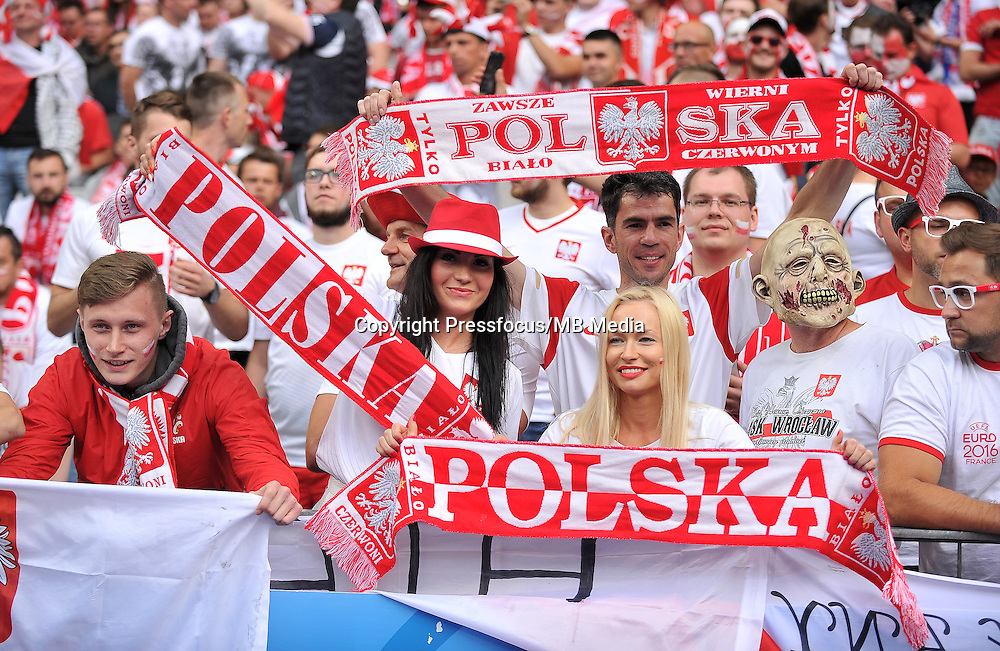 2016.06.16 Saint-Denis<br /> Pilka nozna Euro 2016<br /> mecz grupy C Polska - Niemcy<br /> N/z Kibice Polski Fans Poland<br /> Foto Lukasz Laskowski / PressFocus<br /> <br /> 2016.06.16 Saint-Denis<br /> Football UEFA Euro 2016 group C game between Poland and Germany<br /> Kibice Polski Fans Poland<br /> Credit: Lukasz Laskowski / PressFocus
