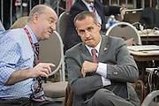 Columbus, Ohio, USA, 20151123: Corey Lewandowski er valgkampsjef for Donald Trump. Her er han i samtale med en journalist i mediaområdet. Milliardæren og presidentkandidaten Donald Trump holder kampanjemøte på konferansesenteret i Columbus. Foto: Ørjan F. Ellingvåg