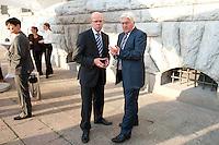 """03 AUG 2009, BERLIN/GERMANY:<br /> Thomas Steg (L), Medienberater von Steinmeier, und Frank-Walter Steinmeier (R), SPD, Bundesaussenminister und Kanzlerkandidat, im Gespraech, nach einer Veranstaltung der Karl-Schiller-Stiftung zum Thema """"Die Arbeit von morgen - Politik fuer das naechste Jahrzehnt"""", Baerensaal, Altes Stadthaus<br /> IMAGE: 20090803-02-131<br /> KEYWORDS: Gespräch"""