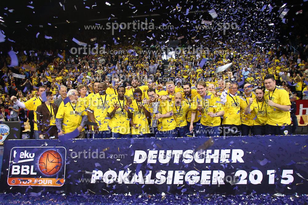 12.04.2015, Brose Arena, Bamberg, GER, Beko Basketball BL, Brose Baskets Bamberg vs EWE Baskets Oldenburg, Top Four 2015, Finale, im Bild Deutscher Pokalsieger 2015 // during the Beko Basketball Bundes league TOP FOUR 2015 final match between Brose Baskets Bamberg and EWE Baskets Oldenburg at the Brose Arena in Bamberg, Germany on 2015/04/12. EXPA Pictures &copy; 2015, PhotoCredit: EXPA/ Eibner-Pressefoto/ Langer<br /> <br /> *****ATTENTION - OUT of GER*****