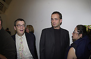 Norman Rosenthall and Max Wigram. Protest & Survive opening. Whitechapel. 14 September 2000. © Copyright Photograph by Dafydd Jones 66 Stockwell Park Rd. London SW9 0DA Tel 020 7733 0108 www.dafjones.com