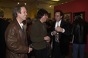 Chris Jagger, Jeff Beck  and Paul Golding, Inspirational Times, rock Art from Beat to Punk via Psychedelia. Sotheby's. Olympia. 6 January 2002. © Copyright Photograph by Dafydd Jones 66 Stockwell Park Rd. London SW9 0DA Tel 020 7733 0108 www.dafjones.com