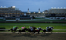 20090619_churchillDowns - NIGHT RACING