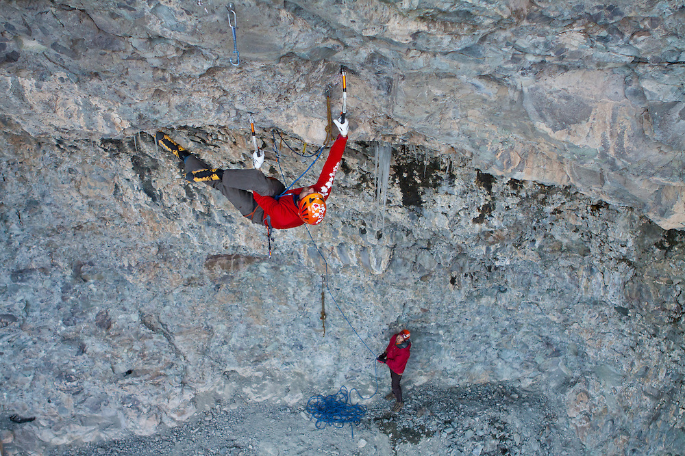 Gord McArthur sticks a figure four on Pull the Trigger, D12, Hall of Justice, Ouray, Colorado