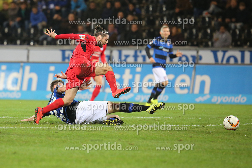 18.12.2015, Volksbank Stadion, Frankfurt, GER, 2. FBL, FSV Frankfurt vs DSC Arminia Bielefeld, 19. Runde, im Bild Zweikampf zwischen David Ulm (Bielefeld) u. Florian Ballas (FSV Frankfurt) // during the 2nd German Bundesliga 19th round match between FSV Frankfurt and DSC Arminia Bielefeld at the Volksbank Stadion in Frankfurt, Germany on 2015/12/18. EXPA Pictures &copy; 2015, PhotoCredit: EXPA/ Eibner-Pressefoto/ RRZ<br /> <br /> *****ATTENTION - OUT of GER*****