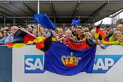 Deutsche Fans<br /> Luhmühlen - LONGINES FEI Eventing European Championships 2019<br /> Siegerehrung Europameisterschaft Einzelentscheidung Finale<br /> 01. September 2019<br /> © www.sportfotos-lafrentz.de/Stefan Lafrentz