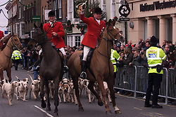 .TTP11-AP-BOXING DAY HUNT-DIG..PIC BY ANDREW PARSONS . BOXING DAY HUNT IN MALDON , ESSEX. THE ESSEX FARMERS HUNT STARTS IN MALDON HIGH ST . THE HUNTSMAN ARRIVE IN MALDON HIGH ST Boxing Day Hunt in Maldon, Essex. .The Essex farmers hunt starts in Maldon High St. 2000 .Photo by Andrew Parsons/i-Images....
