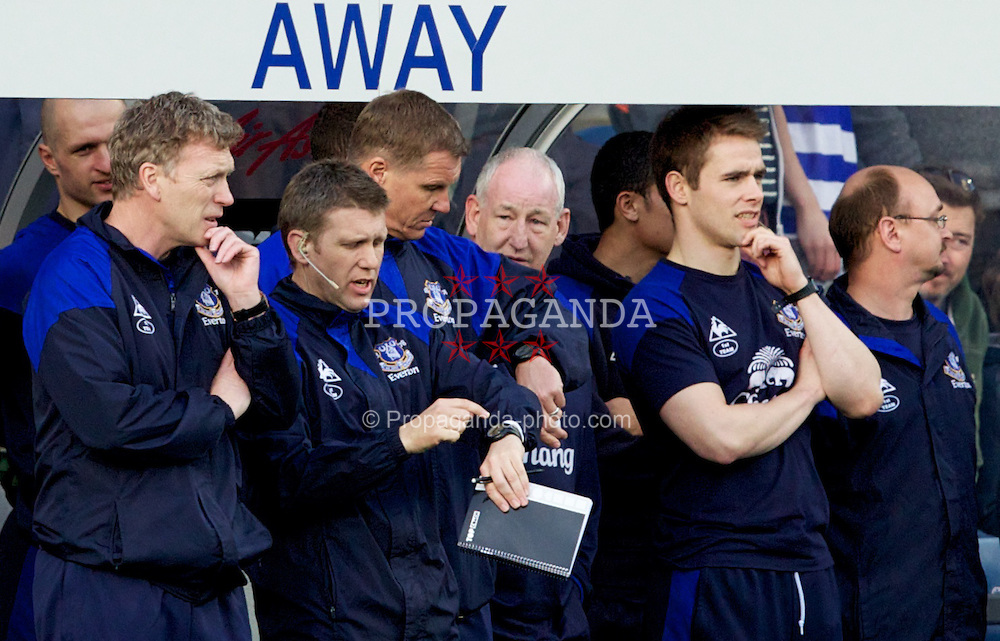 LONDON, ENGLAND - Saturday, March 3, 2012: Everton's manager David Moyes during the Premiership match against Queens Park Rangers at Loftus Road. (Pic by Vegard Grott/Propaganda)