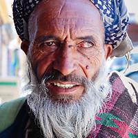 Ladakh - 15 luglio 2009: ritratto di un uomo con un solo occhio. Il censimento rivela che nella regione i Musulmani rappresentano il 47,40%, i Buddisti il 45,70% mentre Hindu, Sikh e Cristiani sono rispettivamente il 6.22%, 0.31% e lo 0.17%.<br /> <br /> Ladakh - July 15, 2009: One eyed man in Ladakh, July 17, 2009. Census reveals that in the region, Muslims constitute 47.40%, Buddhists 45.87% as Hindus, Sikhs and Christians make 6.22, 0.31 and 0.17 % respectively.