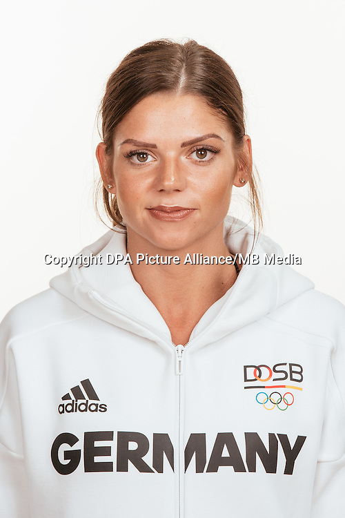 Pamela Dutkiewicz poses at a photocall during the preparations for the Olympic Games in Rio at the Emmich Cambrai Barracks in Hanover, Germany, taken on 20/07/16 | usage worldwide
