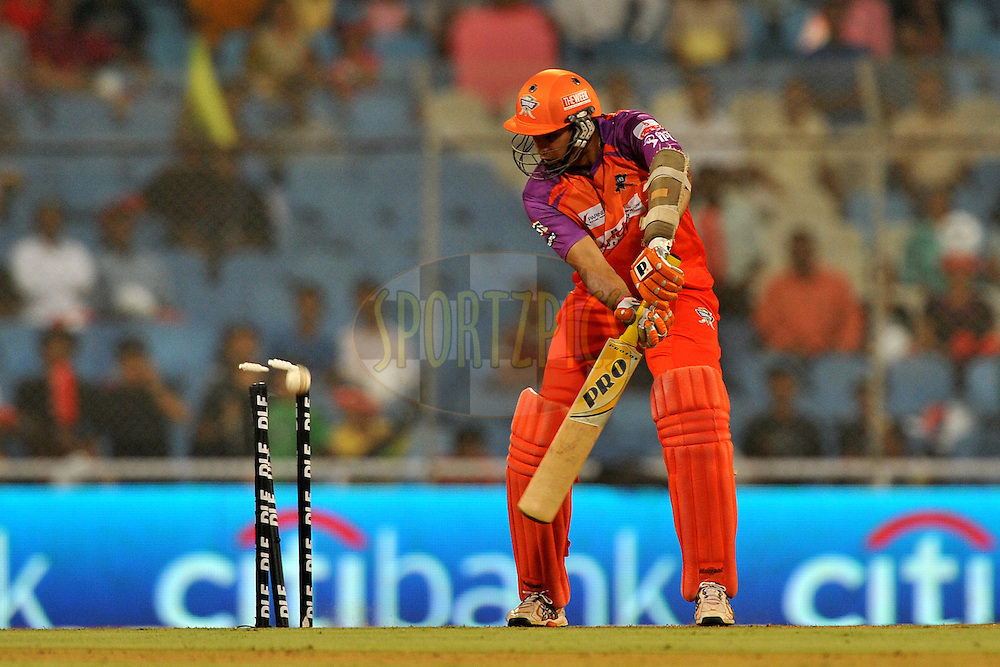 VVS Laxman of Kochi Tuskers Kerala gets clean bowled by Waynne Parnell of Pune Warriors India during  match 10 of the Indian Premier League ( IPL ) Season 4 between the Pune Warriors and the Kochi Tuskers Kerala held at the Dr DY Patil Sports Academy, Mumbai India on the 12th April 2011..Photo by Pal Pillai /BCCI/SPORTZPICS