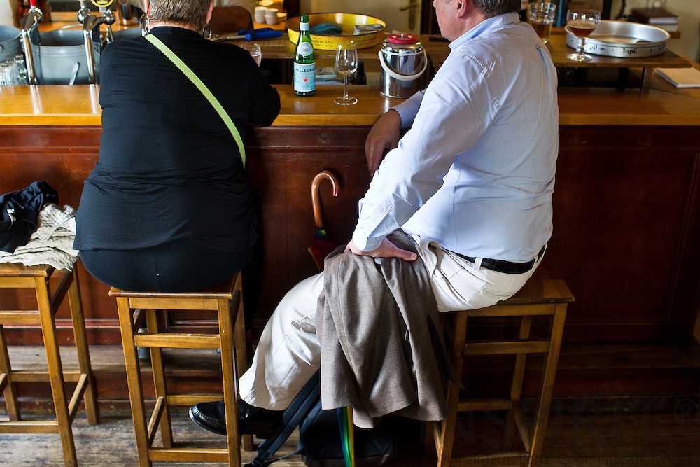People relaxing at a bar after work hours. Brussels 5 September 2011. PHOTO: ERIK LUNTANG / INSPIRIT Photo.