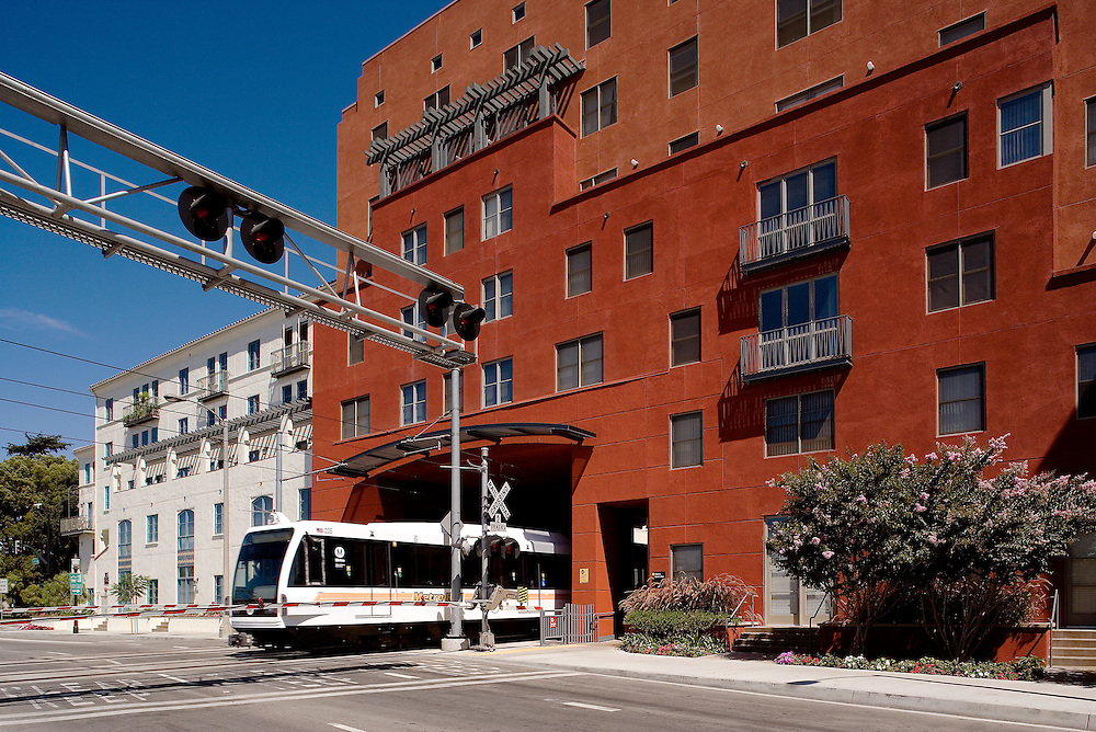 5292 Del Mar Station<br /> Moule & Polyziodes Architects and Nadel Architects