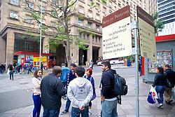 André Flores, Bernardo Pereira, Cristiano Rickmann e Thiago Goss conduzem o Free Walk PoA.  É um free walking tour (passeios grátis com guia, normalmente um estudante, e você paga o que achar que deve) que acontece em Porto Alegre, todos os sábados, às 11h, pelo centro da cidade. FOTO: Jefferson Bernardes/Preview.com André Flores, Bernardo Pereira, Cristiano Rickmann e Thiago Goss conduzem o Free Walk PoA.  É um free walking tour (passeios grátis com guia, normalmente um estudante, e você paga o que achar que deve) que acontece em Porto Alegre, todos os sábados, às 11h, pelo centro da cidade. FOTO: Jefferson Bernardes/ Agência Preview