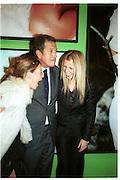 Kate Moss, Mario Testino and Gyneth Paltrow. . Mario Testino portraits. National Portrait Gallery. 29/1/02 © Copyright Photograph by Dafydd Jones 66 Stockwell Park Rd. London SW9 0DA Tel 020 7733 0108 www.dafjones.com