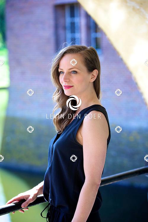 AMERONGEN - Op het landgoed van Kasteel Amerongen is de cast van de 'The Sound of Music' bekend gemaakt. Met hier op de foto  Cindy Bell. FOTO LEVIN DEN BOER - PERSFOTO.NU