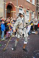 Nederland, Den Bosch, 20160306.<br /> Carnaval in Oeteldonk. De Marskramer van Jheronimus Bosch<br /> Op zondag is de uitgestelde Carnavalsoptocht. De optocht was eerder afgelast tijdens de carnaval vanwege noodweer. <br /> Ter gelegenheid van het Jeroen Boschjaar is het thema: 'D&egrave;'s &eacute;cht Bosch. <br /> <br /> <br /> Netherlands, Den Bosch, 20160306<br /> Carnival in Oeteldonk. The Wayfarer of Hieronymus Bosch<br /> This Sunday, the deferred Carnival parade goes through town