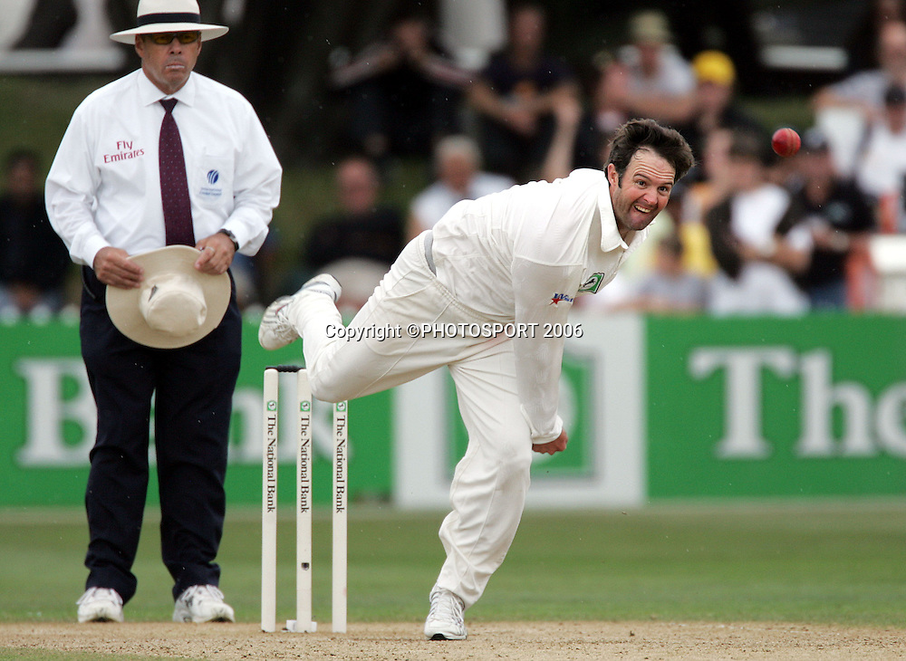 New Zealand's Nathan Astle bowls on day 3 of the 2nd cricket test between New Zealand and West Indies at the Basin Reserve, Wellington, on Sunday 19 March, 2006. Photo: Andrew Cornaga/PHOTOSPORT<br />