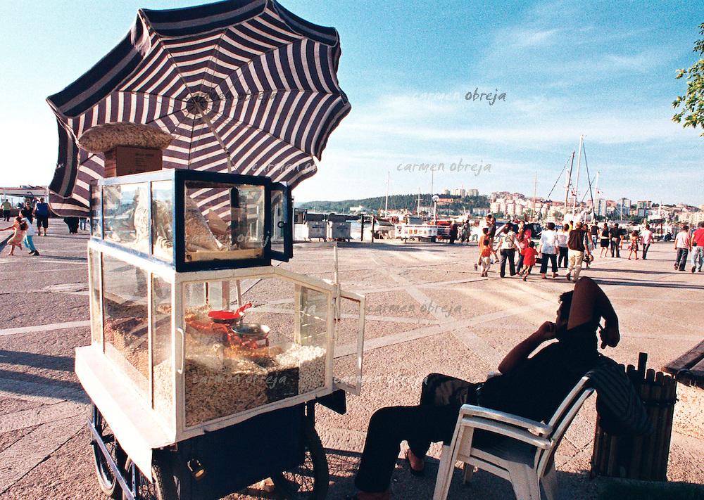 corn vendor on the shore of Dardanelles