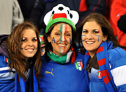 Football - soccer: FIFA World Cup South Africa 2010, Italy (ITA) - Paraguay (PRY), TIFOSE ITALIANE