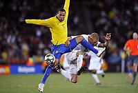 Fotball<br /> USA v Brasil<br /> Foto: DPPI/Digitalsport<br /> NORWAY ONLY<br /> <br /> FOOTBALL - CONFEDERATIONS NATIONS CUP 2009 - FINAL - USA v BRAZIL - 28/06/2009<br /> <br /> LUIS FABIANO (BRA) / JAY DEMERIT (USA)