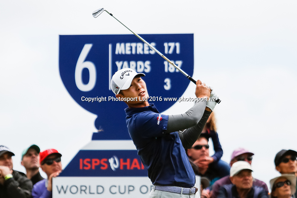 Danny Lee (NZL) tees off during the round 1 of the World Cup of Golf at Kingston Heath Golf Club, Melbourne Australia. Thursday 24th November 2016. Copyright Photo Brendon Ratnayake / www.photosport.nz