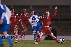 BRISTOL, ENGLAND - Thursday, January 15, 2009: Liverpool's Lauri Dalla Valle in action against Bristol Rovers' George Booth during the FA Youth Cup match at the Memorial Stadium. (Mandatory credit: David Rawcliffe/Propaganda)